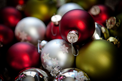 Organizing Christmas Decorations Storing Decorations And Ornaments