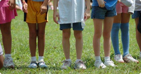 You are currently viewing Summer Camp Planner: Questions to Ask + Online Resources