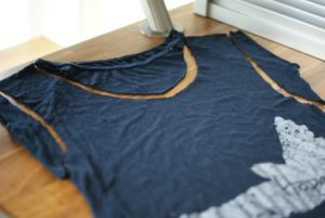 Read more about the article {30} Fun & Useful Things to Do with Old T-Shirts