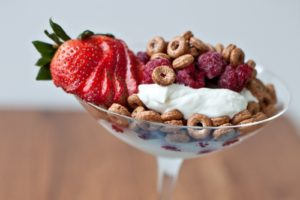 Read more about the article Easy Breakfast Parfaits for Busy School Mornings
