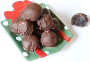 101 Days of Christmas: Easy, Decadent Oreo Truffles