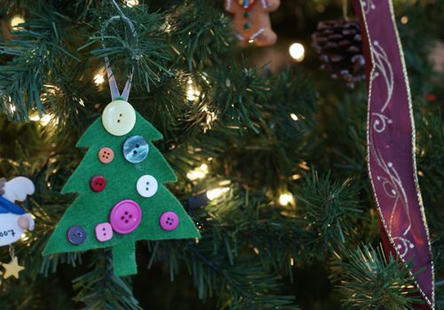 You are currently viewing 101 Days of Christmas: Felt Tree Ornaments