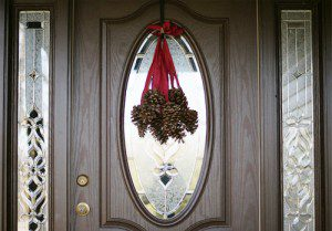 101 Days of Christmas: Hanging Pinecones