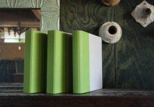 Read more about the article Giveaway: Get Organized with a Set of Naked Binders