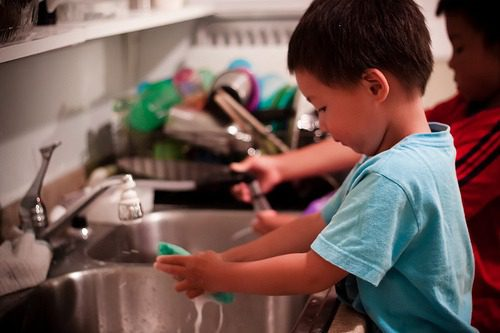 5 simple chores for kids to complete everyday