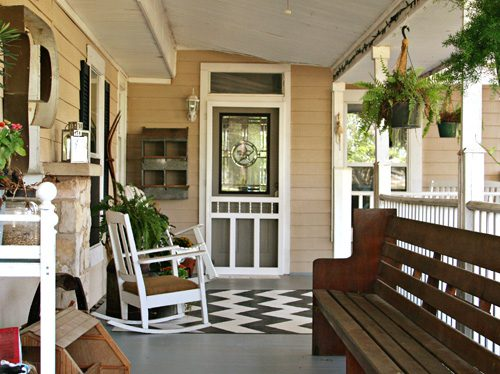 Add Pizzaz To Your Porch With A Painted Rug Gt Life Your Way