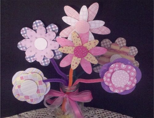 You are currently viewing Crafty Paper Flower Bouquet for Kids {+ Free Printable Template}