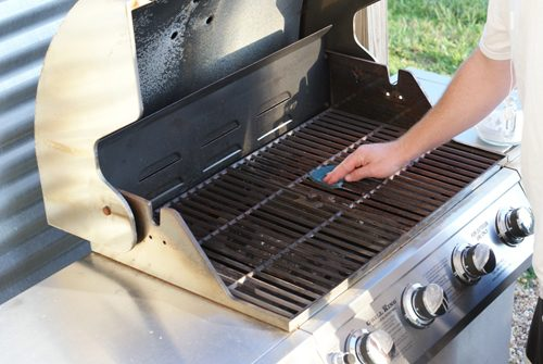 Cleaning a Grill with Baking Soda