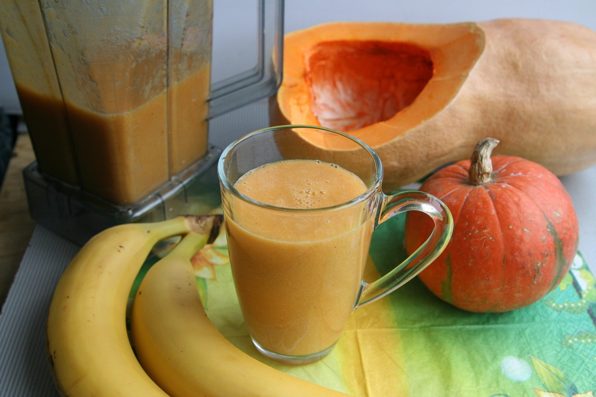 Embracing Autumn with Pumpkin Pie Smoothies