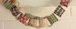 Read more about the article 101 Days of Christmas: Paper Chain Garland