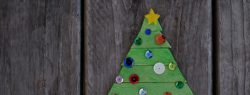 Read more about the article 101 Days of Christmas: Popsicle Stick Christmas Tree