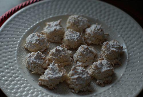Snowball Macaroons