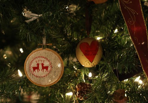 Easy Hoop Ornaments