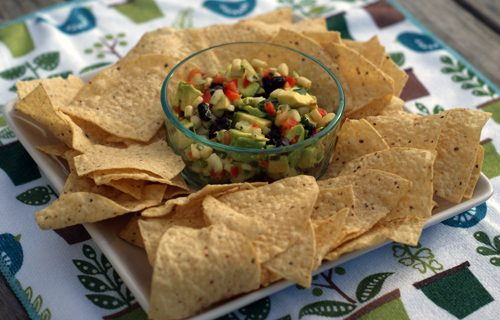 You are currently viewing California Pizza Kitchen Guacamole {Copycat Recipe}