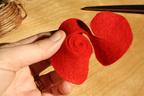 How to Make Rolled Felt Flower