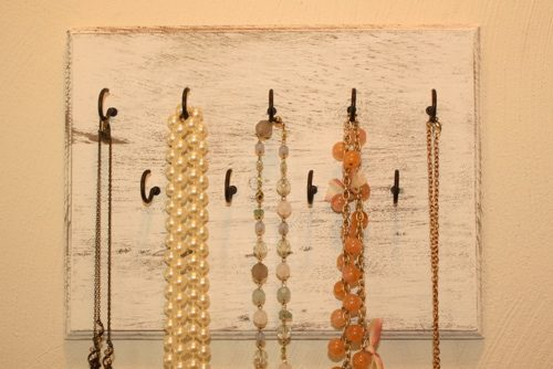 how to make a jewelry rack