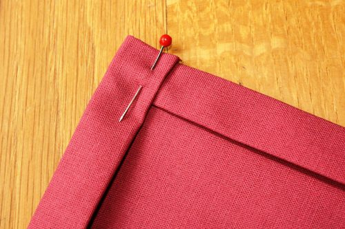 How to Make Cloth Napkins at lifeyourway.net