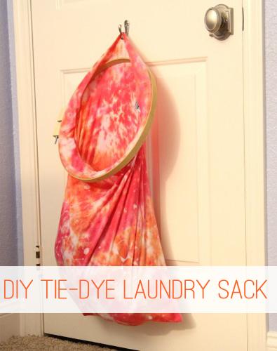DIY Tie-Dye Laundry Sack at lifeyourway.net
