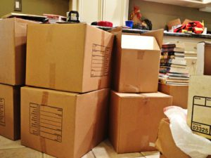 Read more about the article Let's Get Moving: 8 Tips for Simplifying Your Next Move