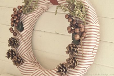 Simple Fabric Wreath  {DIY Wreath Roundup at lifeyourway.net}