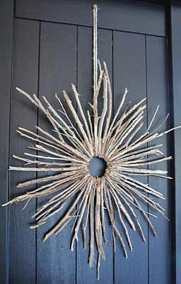 Starburst Twig Wreath  {DIY Wreath Roundup at lifeyourway.net}