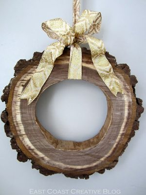 Wood Slice Wreath  {DIY Wreath Roundup at lifeyourway.net}
