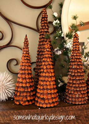 Pine Cone Christmas Trees {Handmade Decor Roundup at lifeyourway.net}
