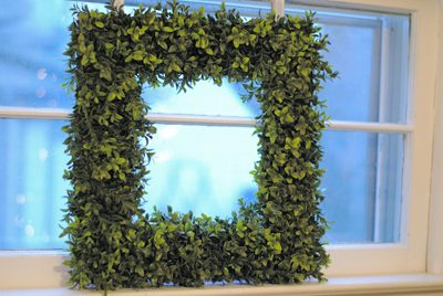Square Boxwood Wreath  {DIY Wreath Roundup at lifeyourway.net}