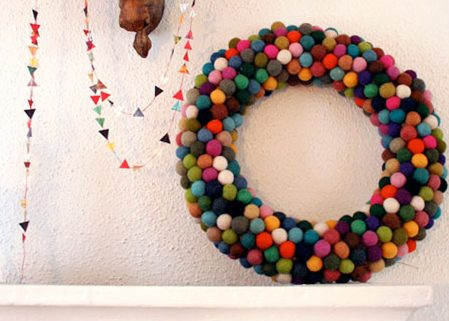 Felted Ball Wreath  {DIY Wreath Roundup at lifeyourway.net}