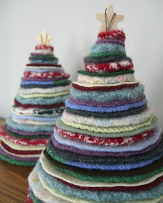 Felted Sweater Holiday Trees {Handmade Decor at lifeyourway.net}