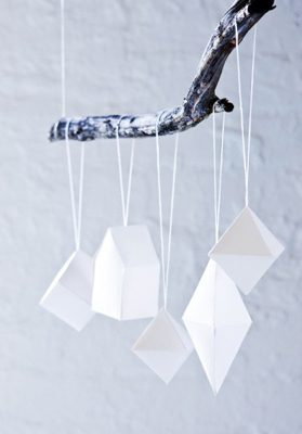 Geometrical Ornaments {DIY Ornaments for Kids Roundup at lifeyourway.net}