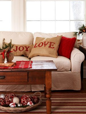 Love & Joy Pillow Covers {DIY Burlap Decor Roundup at lifeyourway.net}