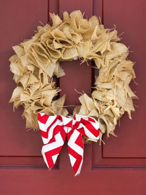 Scrap Wreath {DIY Burlap Decor Roundup at lifeyourway.net}
