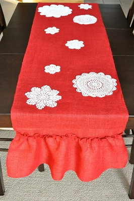Table Runner {DIY Burlap Decor Roundup at lifeyourway.net}