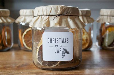 Christmas in a Jar {Gifts in a Jar Roundup at lifeyourway.net}