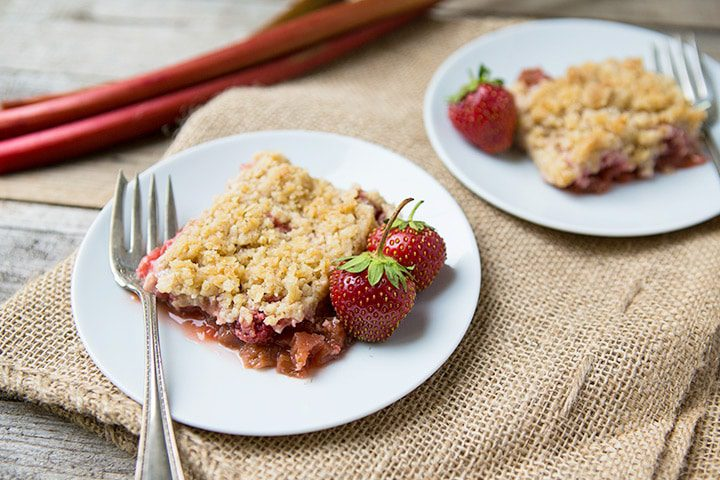 Strawberry Rhubarb Crisp #recipe on LifeYourWay.net