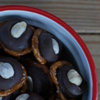 Chocolate-Peanut Pretzel Treats