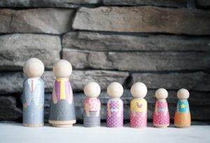 Minifolk wooden people {101 Days of Christmas}