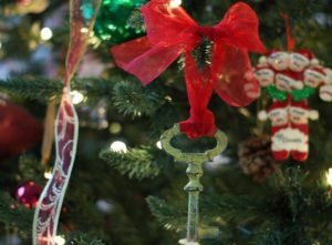 Skeleton key ornaments {101 Days of Christmas}