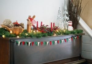 Read more about the article Felt pennant banner {101 Days of Christmas}