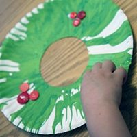 Holiday Spin Art Wreath