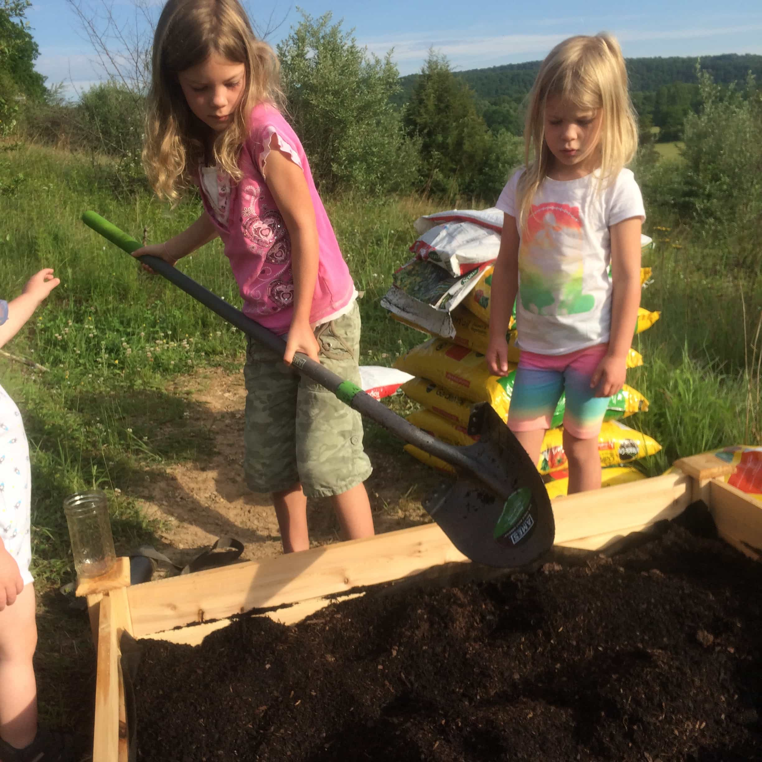 Gardening with kids...even when you have a brown thumb