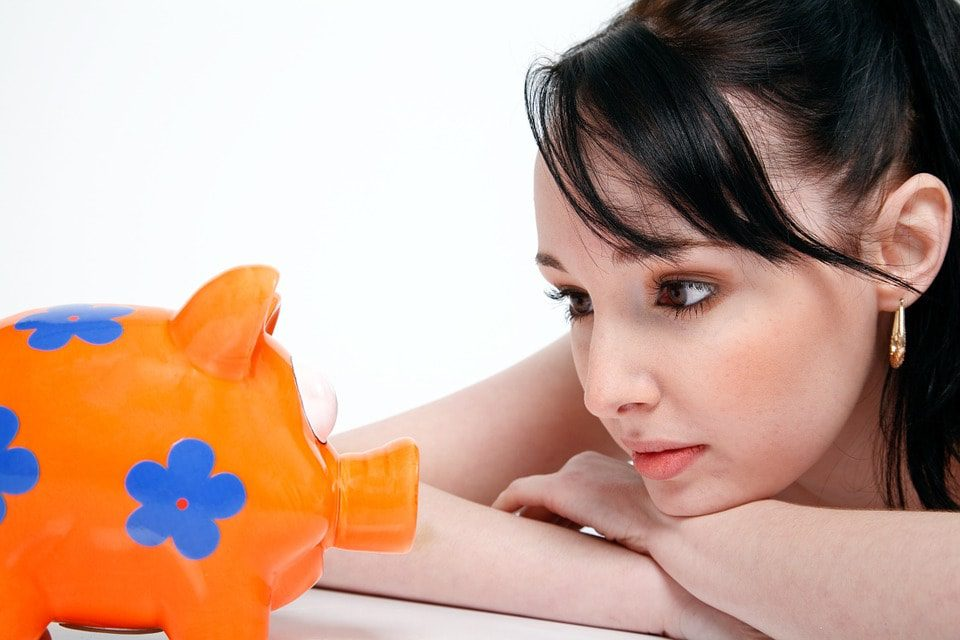 Debt Consolidation Helps In Saving Money Especially For Single Parents Out There