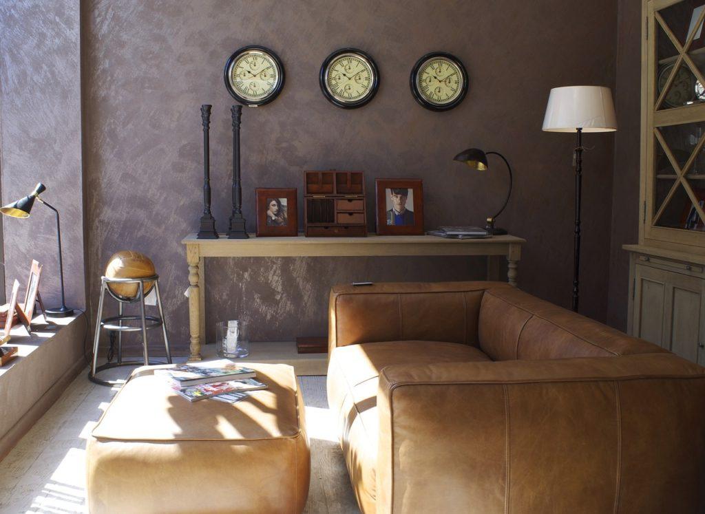 Wallpaper-in-a-living-room