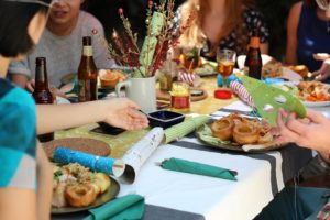 Ways to Reduce the Stress of Being a Holiday Host(ess)