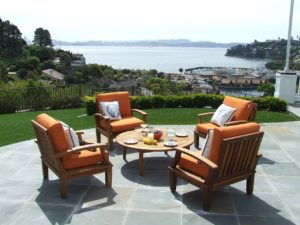 5 Factors to Consider Before Buying Patio Furniture