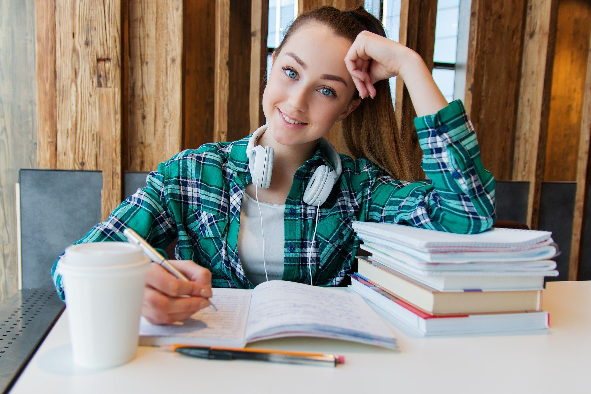 You are currently viewing Common Mistakes for Your Kids to Avoid When They Start University