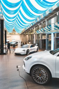 How to Minimize Hassle During Your Next Car Shopping Experience