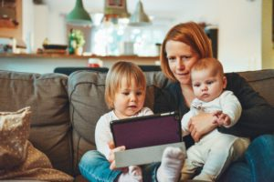 An Investing Guide for Stay-at-Home Moms