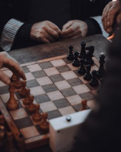 Read more about the article 5 Types of Indoor Games For Senior Citizens